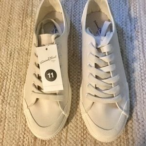 Universal Thread Shoes - NWT Women's Universal Thread Sneakers